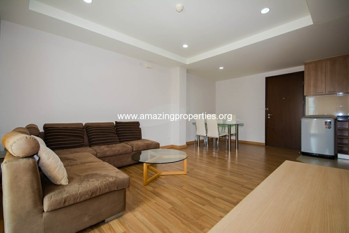 yo-place-3-bedroom-apartment-in-asoke-2