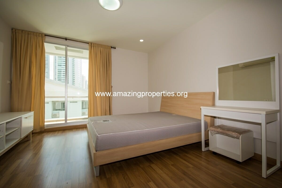 yo-place-3-bedroom-apartment-in-asoke-5