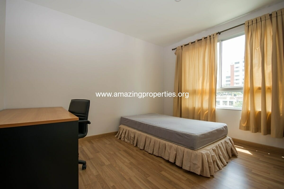yo-place-3-bedroom-apartment-in-asoke-9