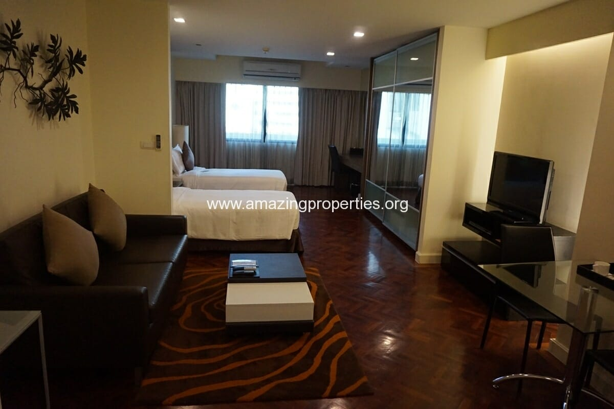 Executive Studio Phachara Suites