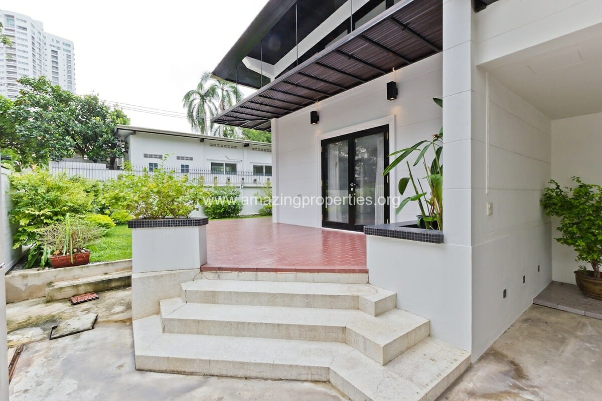 Phrom Phong House with Garden-15