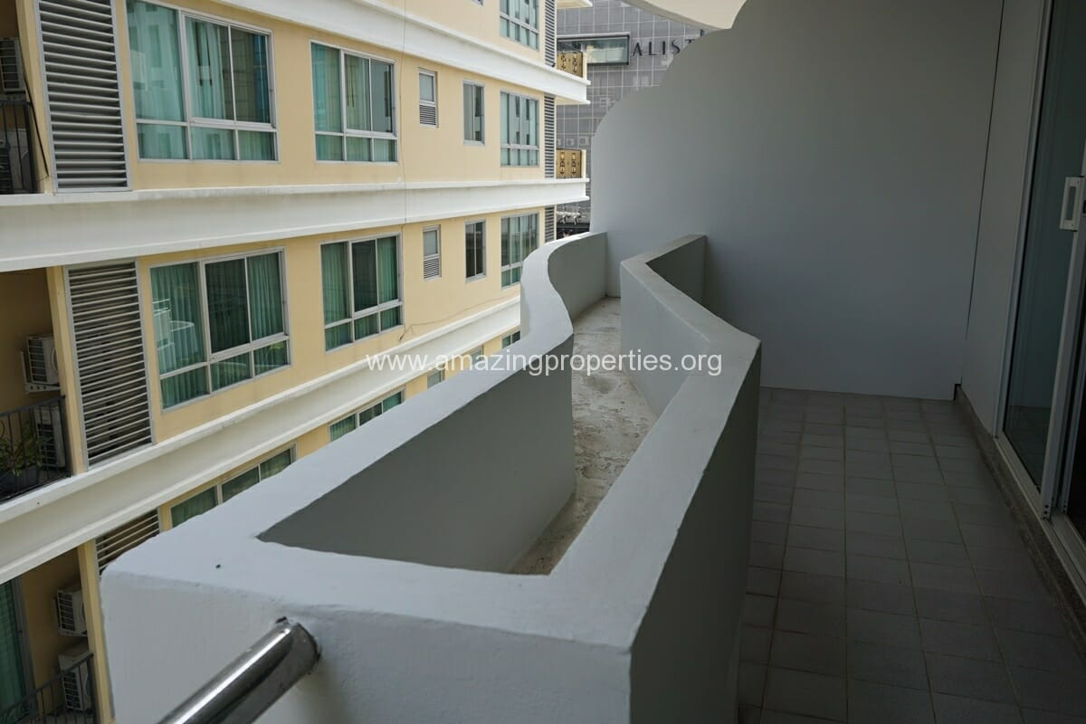 2 Bedroom Apartment SCC Residence-4