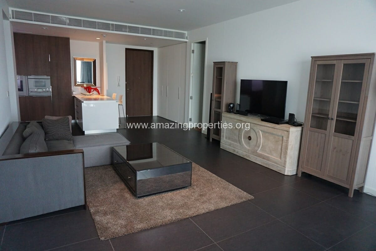 Luxurious 2 bedroom condo for rent at 185 Rajadamri