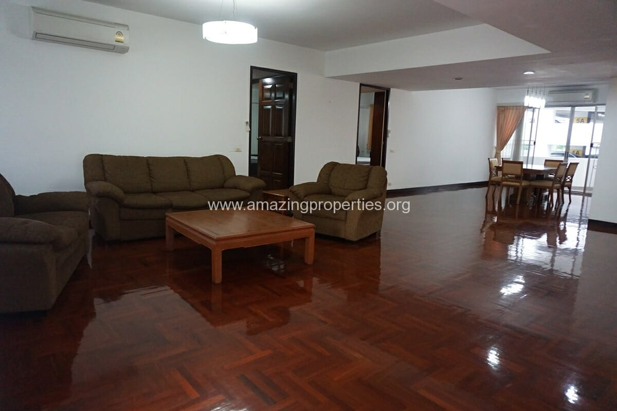3 bedroom Apartment for Rent at Kanta Mansion