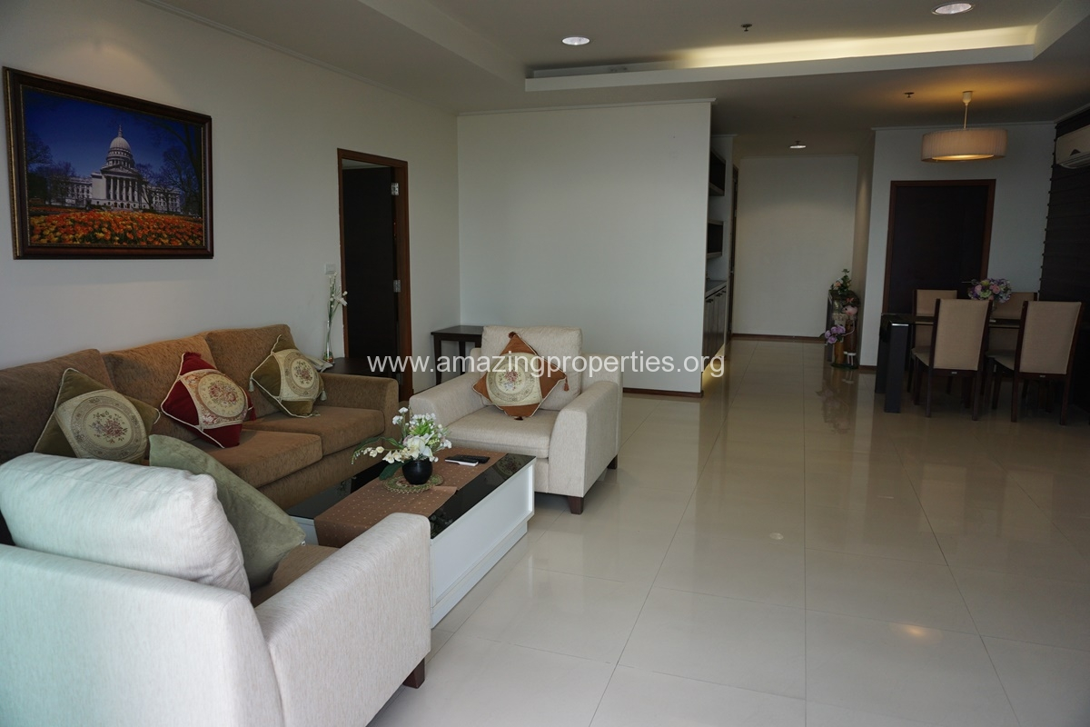 Piyathip Place 3 Bedroom Apartment